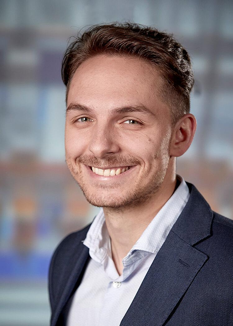 Dennis Piontek, Sales Manager